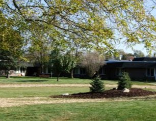 Courtyard At Willow Woods
